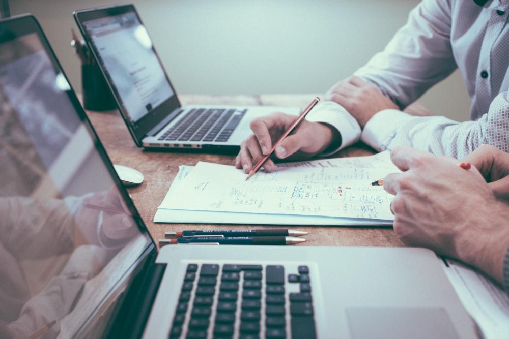 Formy wynagradzania pracowników – Usługi - nagroda dla pracownika