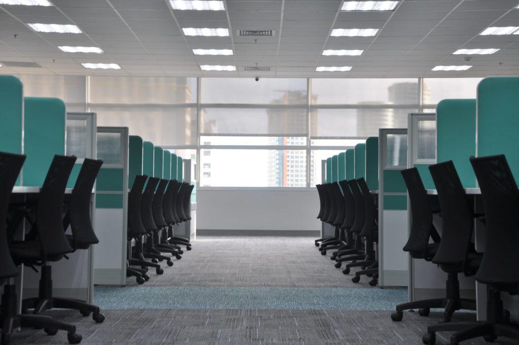 Wsparcie w obliczu zwolnienia - korzyści dla pracownika i pracodawcy